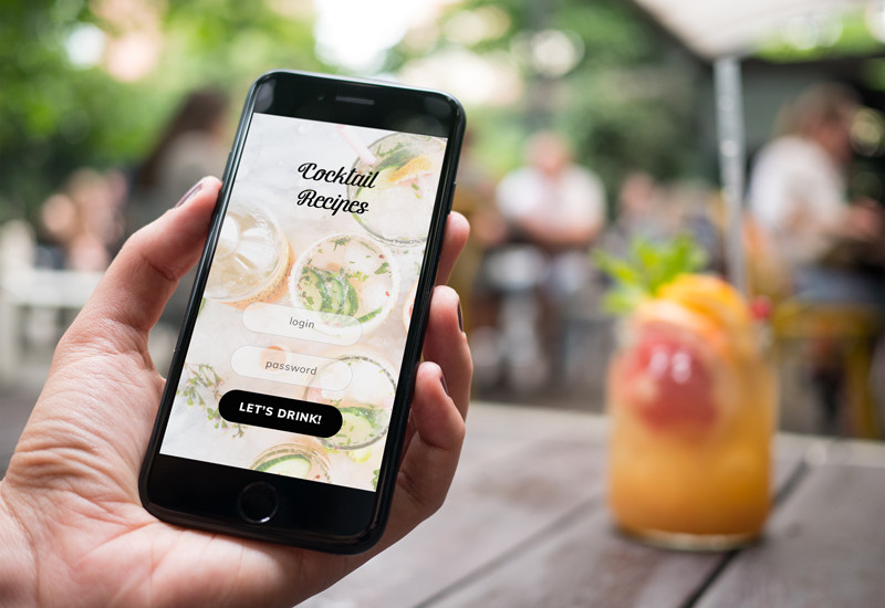 iPhone 7 at coffee garden – 12 photo mockups