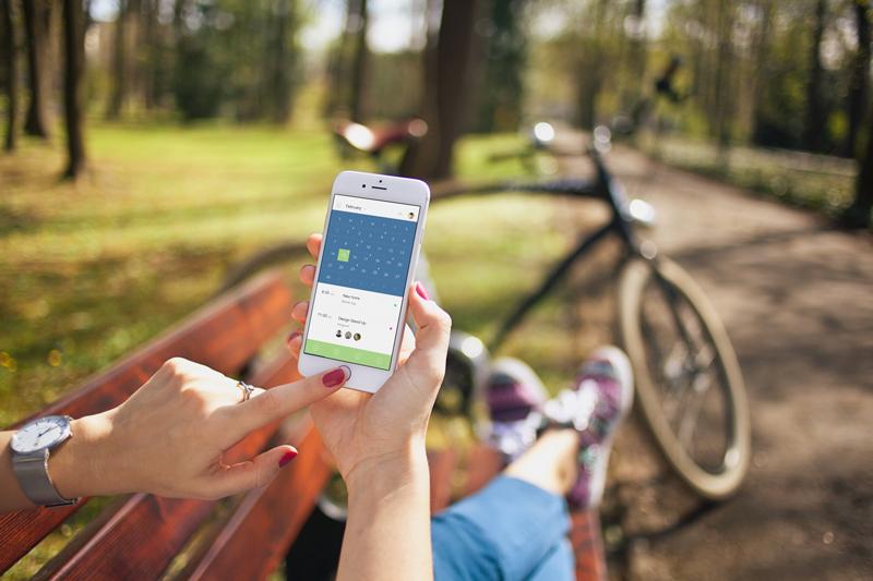 iphone 6 & bike – 8 photo mockups